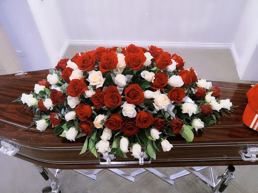 Casket Deluxe 100 stems rose