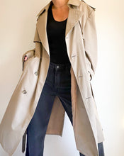 Load image into Gallery viewer, Vintage London Fog Khaki Trench Coat