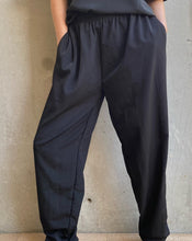 Load image into Gallery viewer, Vintage Black Relaxed Trouser