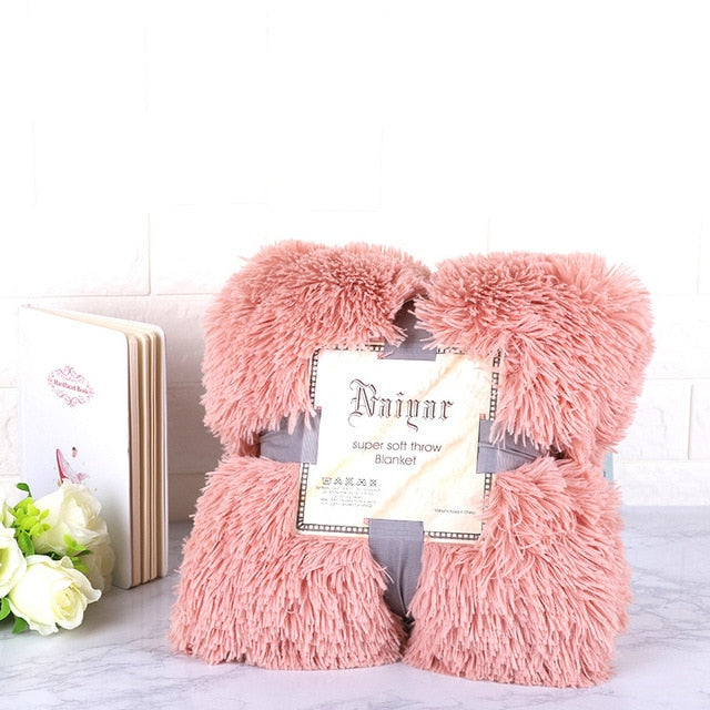 Soft Faux Fur Solid Blanket Coral Fleece Rugs for Bed and Living Room Sofa Portable Bedsheet Suitable Fall Winter and Spring