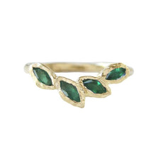 Load image into Gallery viewer, Petal Emerald Ring