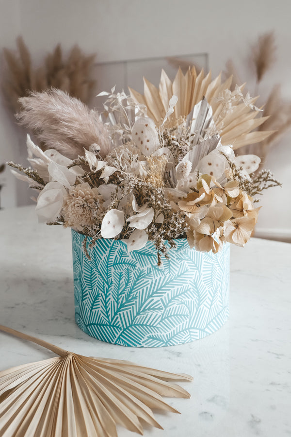 Dried Flower Box White Wonders