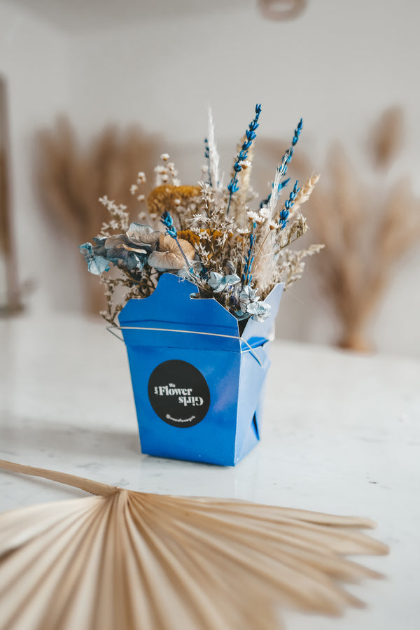 Dried Flower Noodle Box Electric Blue