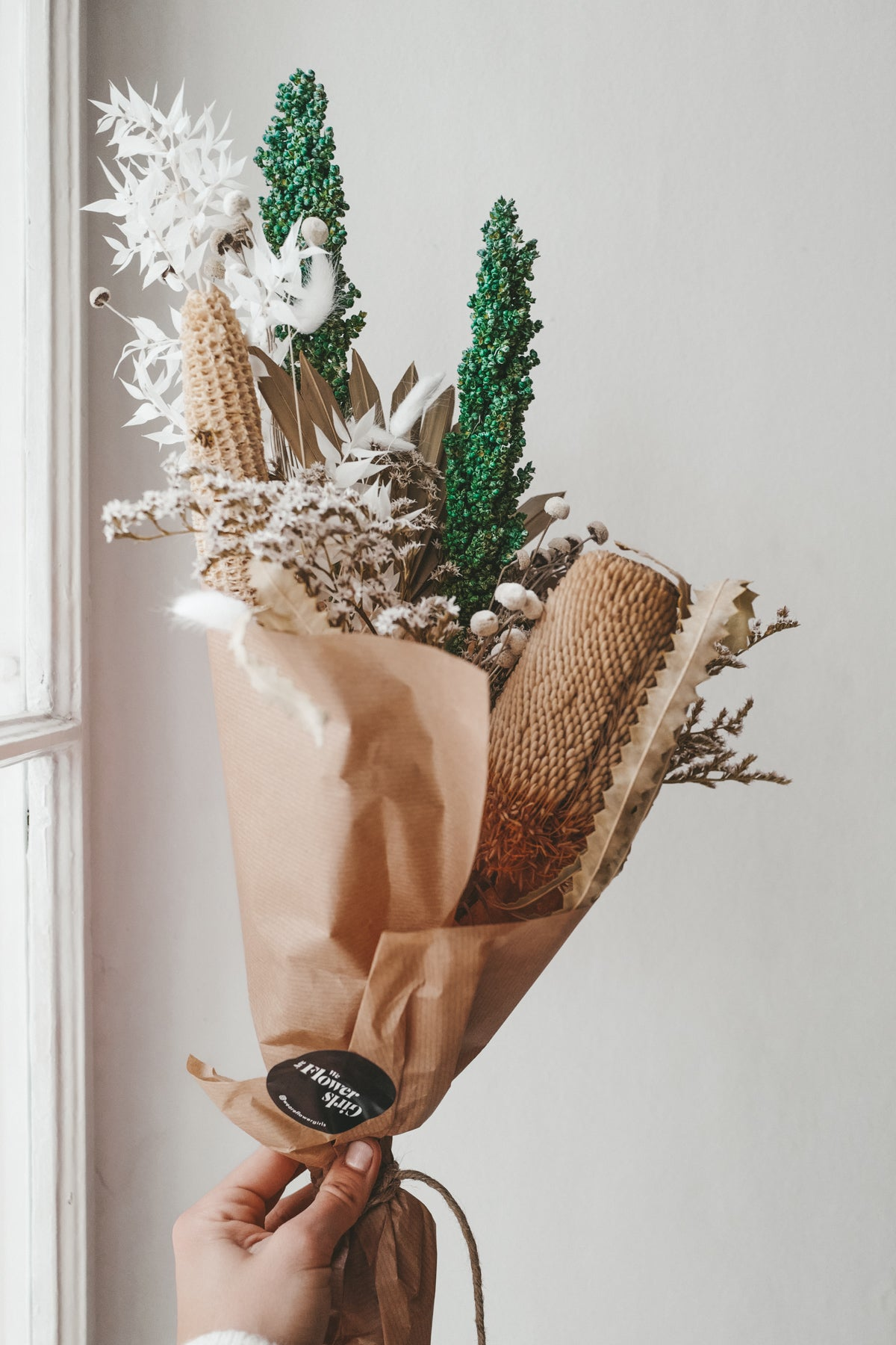 Liliana Dried Flower Bundle