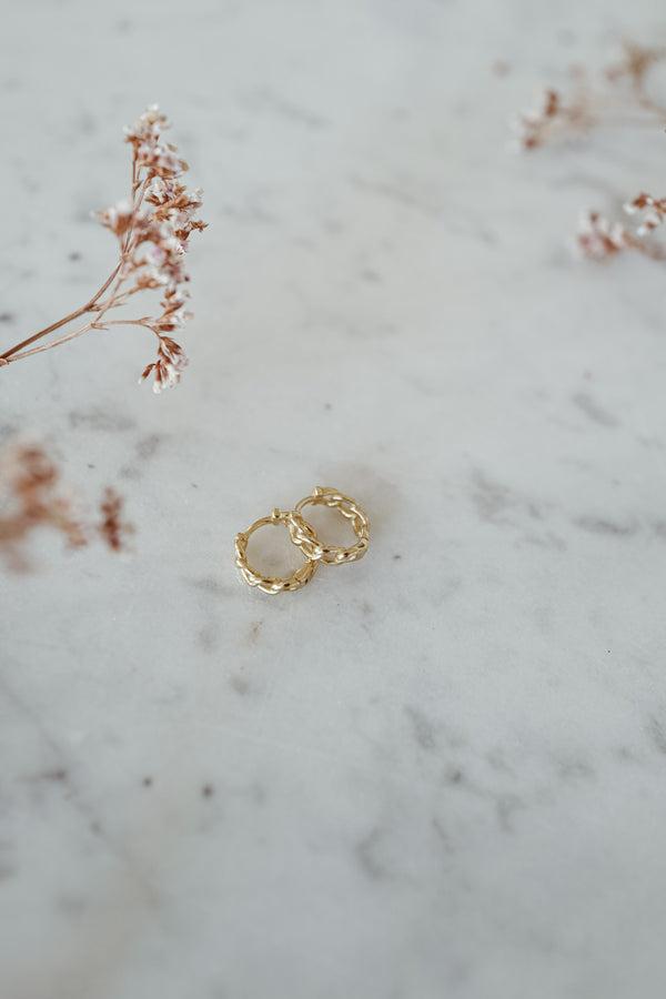 Little Chain 18k Gold Hoops