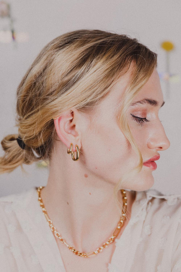 Tiny Chloe 18k Gold Earrings