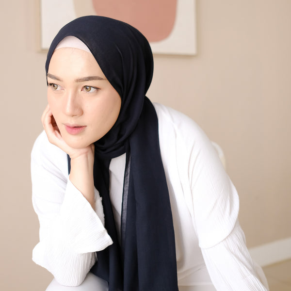 Mima Shawl Black