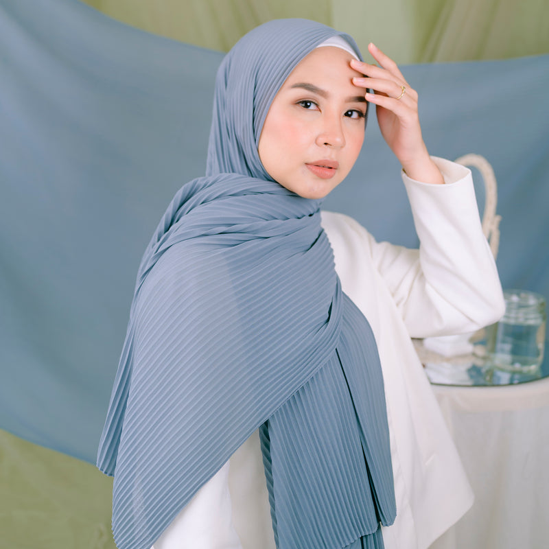 Ayra Pleats Shawl Dark Silver