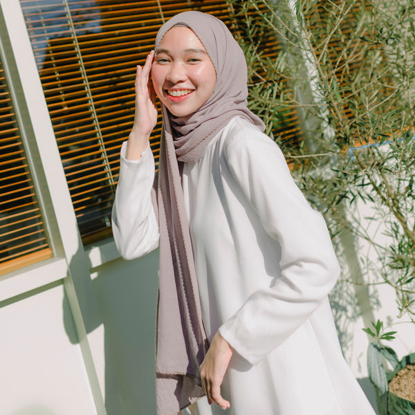 Embroidery Signature Shawl Light Grey