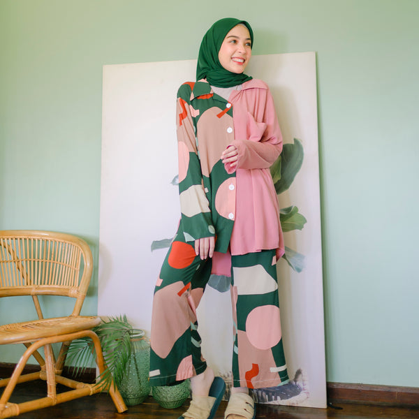 Naura Pajamas Strawberry Pistachio