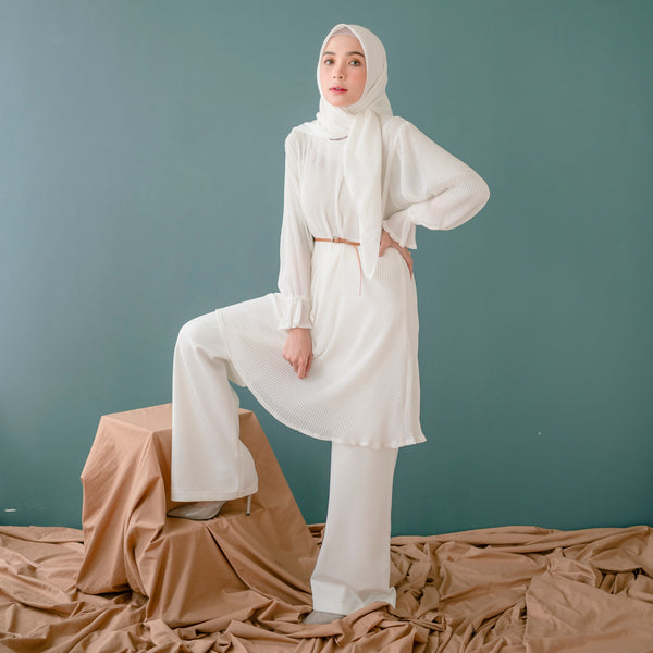 Mahira Pleats Blouse Broken White