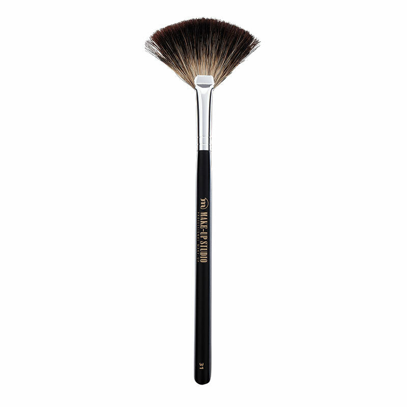Make Up Studio Fan Shaped Brush No 31