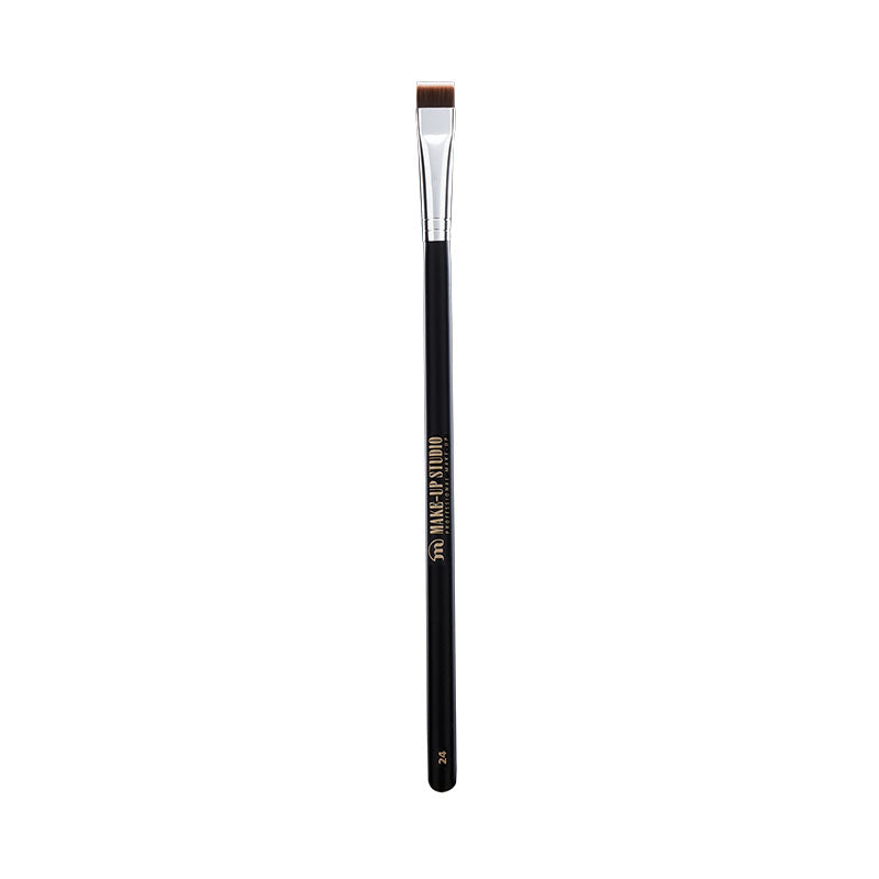 No. 24 Flat Definer Brush