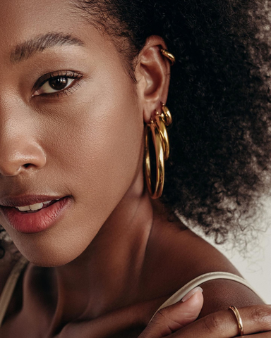 Established in 2012, BYCHARI is an effortless, unique and modern jewelry brand.