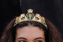 Load image into Gallery viewer, Dolce&Gabbana crown