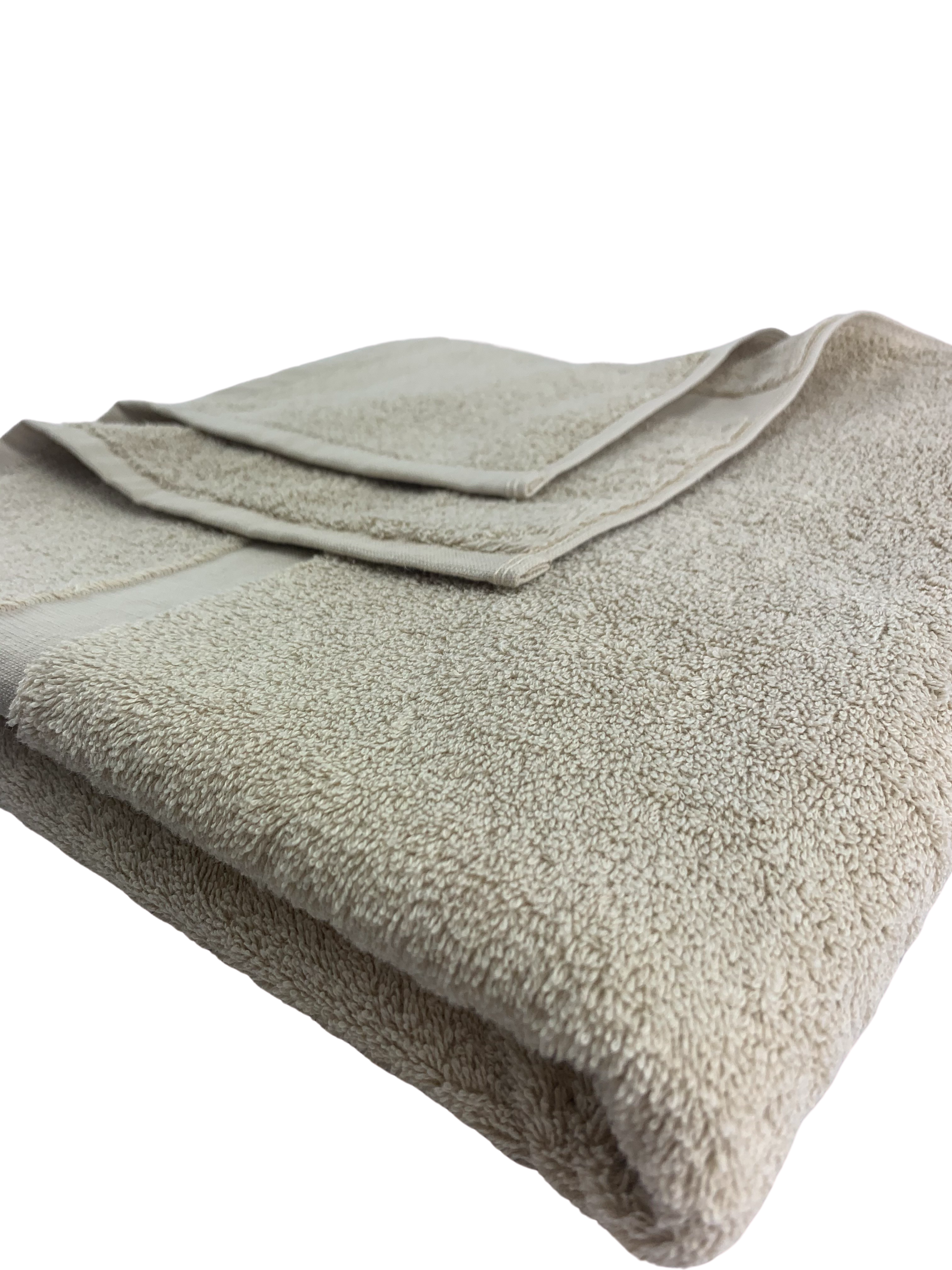 Elegant Border Bath Towels - Cararra