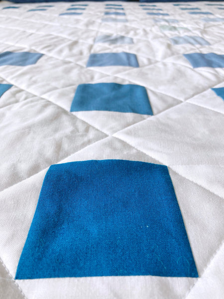 Staccato Quilt Pattern by Monika Henry of Penny Spool Quilts - Kona Solids Ombre Staccato Throw