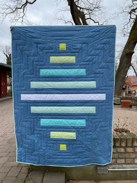 Spinning top quilt pattern by Penny Spool Quilts - twin size pattern hack