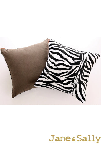 (JaneSally)Suede Patchwork With Polyester Fluff Fabric Double-Side Pillowcase Cushion Cover(Zebra Pattern)