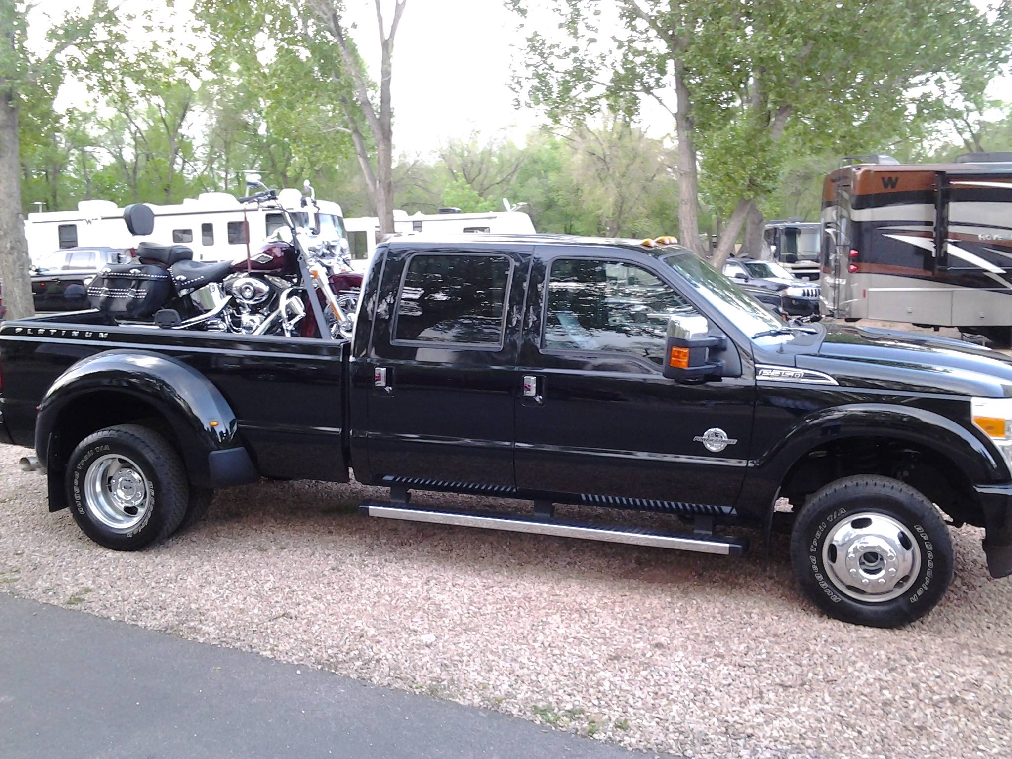 loadall_load-all_motorcycle_loading_ramp_ford_f350_long_bed_closed_tailgate