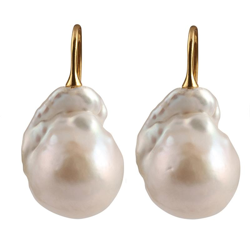 WILD PEARL DROP EARRING (WHITE ON GOLD)