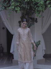 Load and play video in Gallery viewer, Evening Skies Kurta - Brown