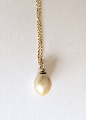 Load image into Gallery viewer, Golden Baroque Tahitian Pearl necklace