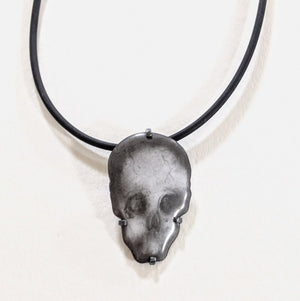 Load image into Gallery viewer, Skull pendant on cord