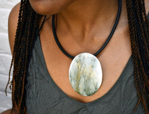 Load image into Gallery viewer, Moss Pendant Necklace