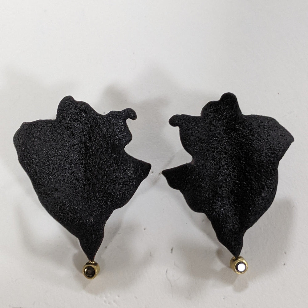 Black Rose Petal posts with Black Diamonds