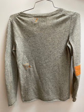 Load image into Gallery viewer, light grey cashmere sweater