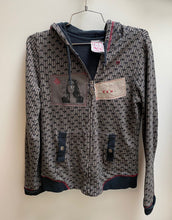 Load image into Gallery viewer, volcom grey/black heart patterned hoodie