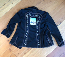 Load image into Gallery viewer, black polyester embroidered flower jacket