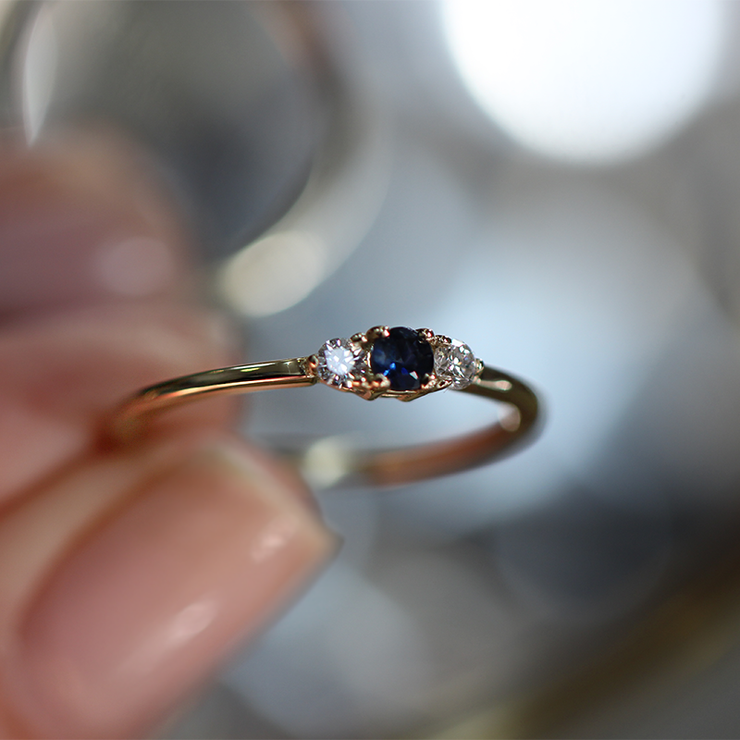 Audrey Ring Blue Sapphire 3 mm & white Diamond