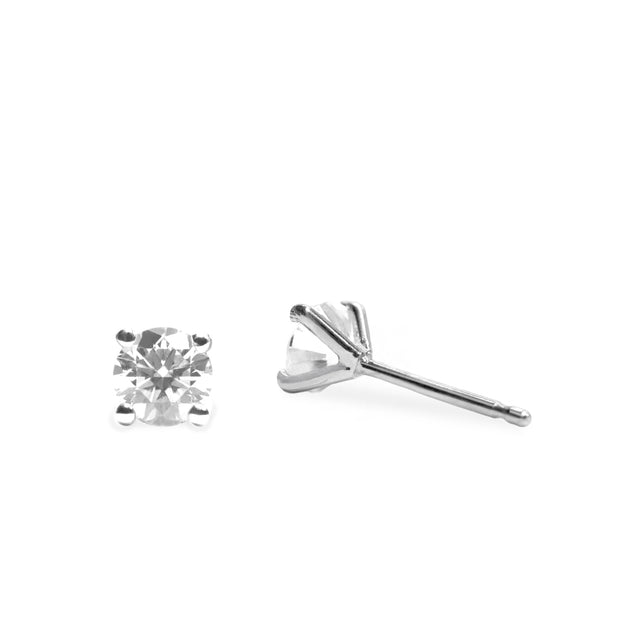 white gold stud earrings with white diamonds