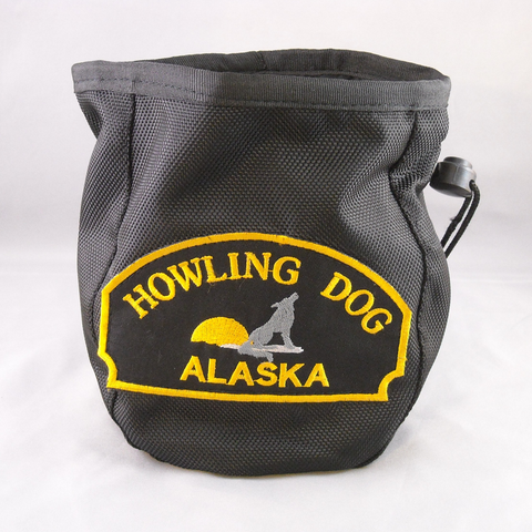 Howling Dog Alaska Round Sticker