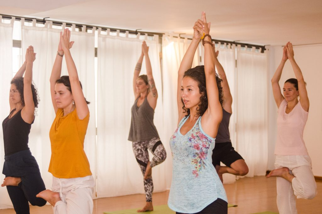 yoga-to-give