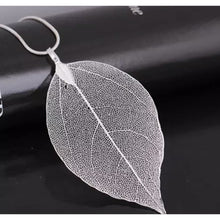 Laad de afbeelding in de galerijviewer, Real Leaf Necklace - Avalon - Gifts, Antiques & Plants