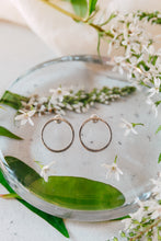 Load image into Gallery viewer, Sterling Silver Circle Earrings