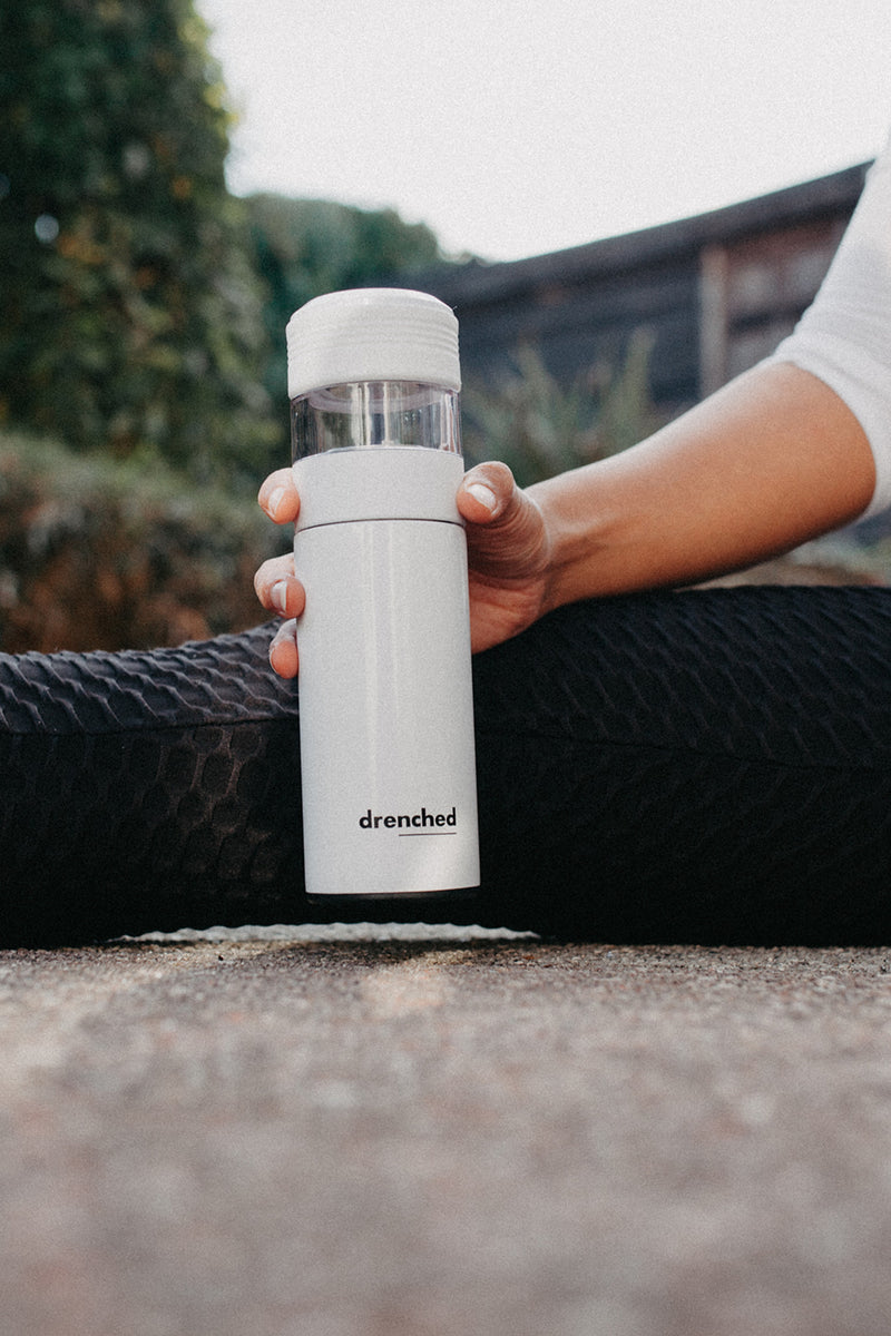 drenched - Reusable Smart Infuser Bottle (white x mono edition)
