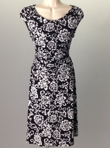 Black Floral Pattern Casual Traditional Dress, Size: 6 R