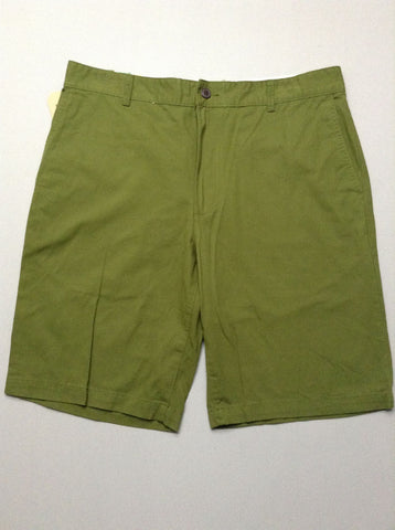Green Plain Flat Front Casual Shorts, Size: 35.0