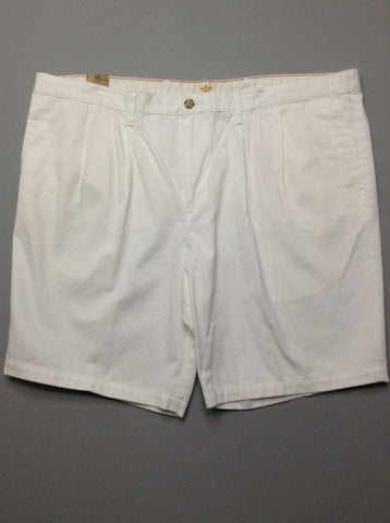 White Plain Pleated Front Casual Shorts, Size: 46.0
