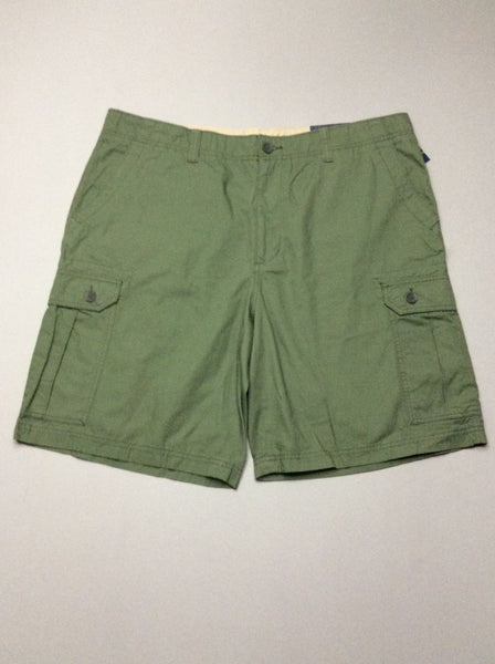 Green Plain Flat Front Cargo Shorts, Size: 41.0