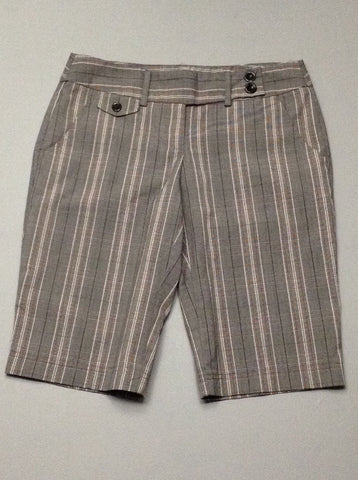 Gray Plaid Casual Shorts, Size: 3 R