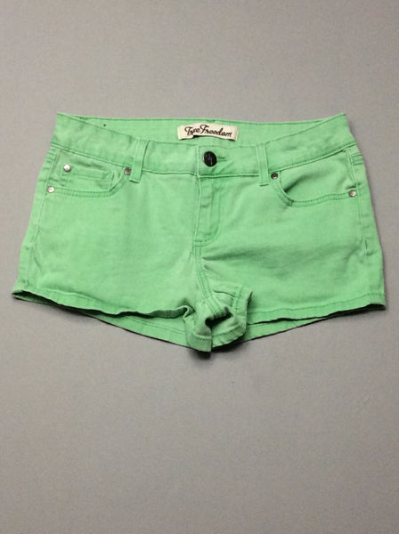 Green Plain Casual Shorts, Size: 6 R