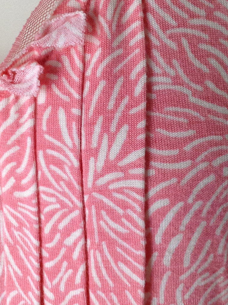 Ellen Tracy Pink 95% Rayon 5% Spandex Pattern Traditional Blouse Size: Large