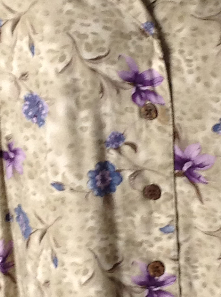 Island Traders Beige 100% Rayon Floral Pattern Button Down Shirt Size: Medium