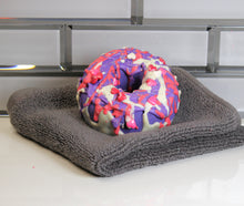 Load image into Gallery viewer, Black Cherry Doughnut Luxurious Bath Fizzies