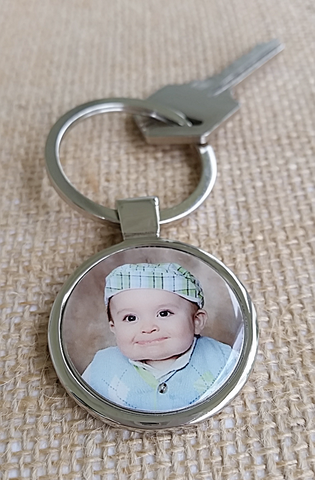 Holiday Sale!!!  Round Silver Photo Key Chain